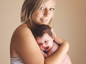 Photo famille photographe bebe mère fille