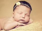 Photo nouveau-ne Photo de nouveau-né endormi sur le sol