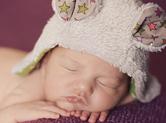 Photo nouveau-ne Photo originale de bébé avec bonnet