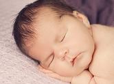 Photo nouveau-ne Photo de bébé dormant sereinemnt