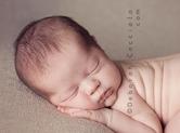 Photo nouveau-ne Photo de bébé en position ventrale