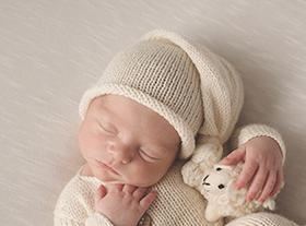 Photo nouveau-ne séance photo bébé photographe orleans