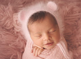 Photo nouveau-ne photographe originale photo bébé