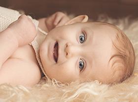 Photo bebe photographe spécialiste enfant orleans