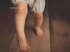 Photo bebe photographe bébé premier pas