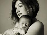 Photo nouveau-ne Photo noir et blanc de bébé et maman