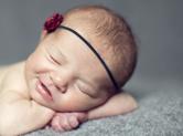 Photo nouveau-ne Photo studio artistique de bébé