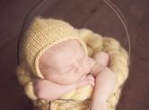 Photo nouveau-ne Cliché de bébé dans un panier