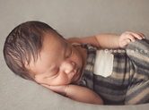 Photo nouveau-ne Photographe de bébé à Orléans