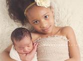 Photo nouveau-ne Photo professionnelle entre frères et soeurs