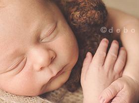 Photo nouveau-ne photographe spécialisé bébé