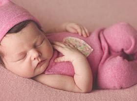 Photo nouveau-ne photographe bébé famille orleans