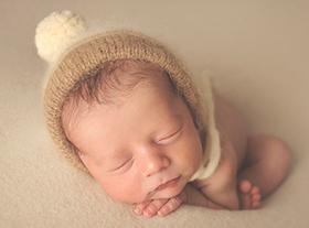 Photo nouveau-ne photographe bebe accessoire orleans