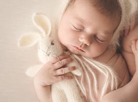 Photo nouveau-ne photo de bébé à orleans avec accessoires